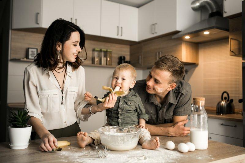 Panduan Memberi Makanan Bayi 8 Bulan Untuk Para Orang Tua