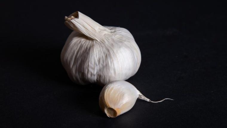 7 Manfaat Bawang Putih Tunggal, Bumbu Dapur Penjaga Kesehatan Keluarga!